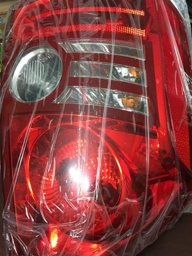 Đèn lái sau LH Chrysler HT 2009
