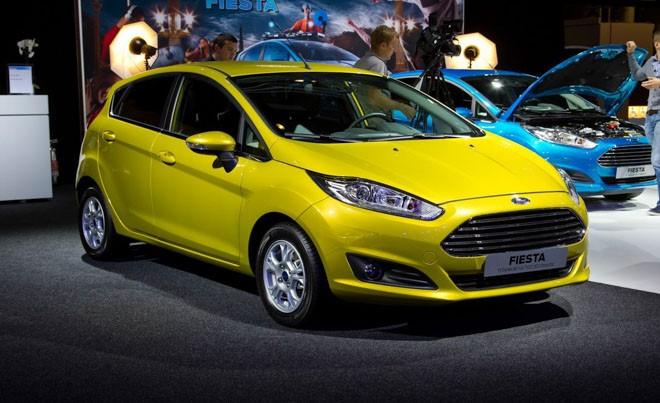 """Ford Việt Nam phải """"vật vả"""" kêu gọi Ranger và Fiesta vì lỗi cửa xe tự bung"""