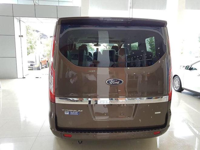 Ford Tourneo lần đầu gia nhập phân khúc xe 7 chổ