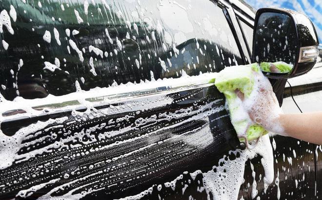 Những sai lầm phổ biến khi tự chăm sóc xe ô tô tại nhà